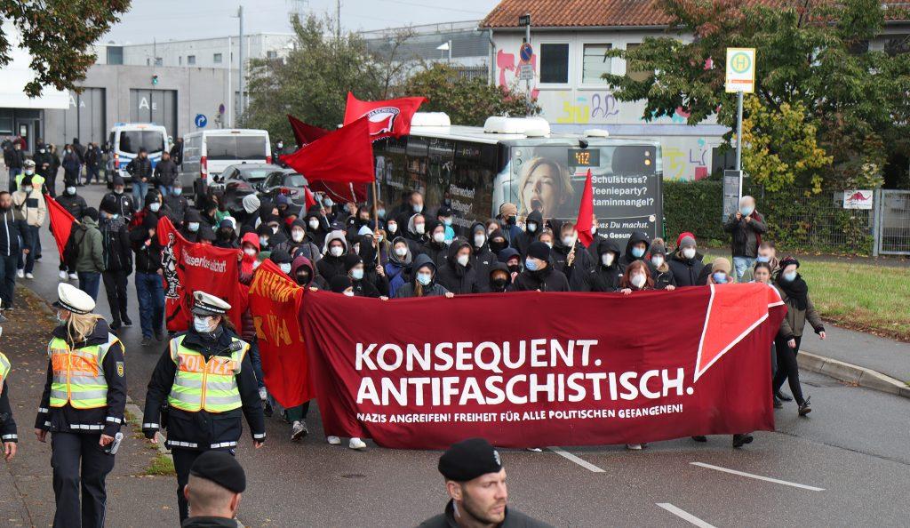 Read more about the article Solidaritätserklärung des Solibündnis Antifa Ost zum Urteil in Stuttgart